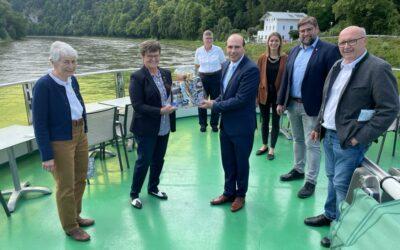 Schifffahrt mit dem Direktkandidaten für den Bundestag Florian Oßner